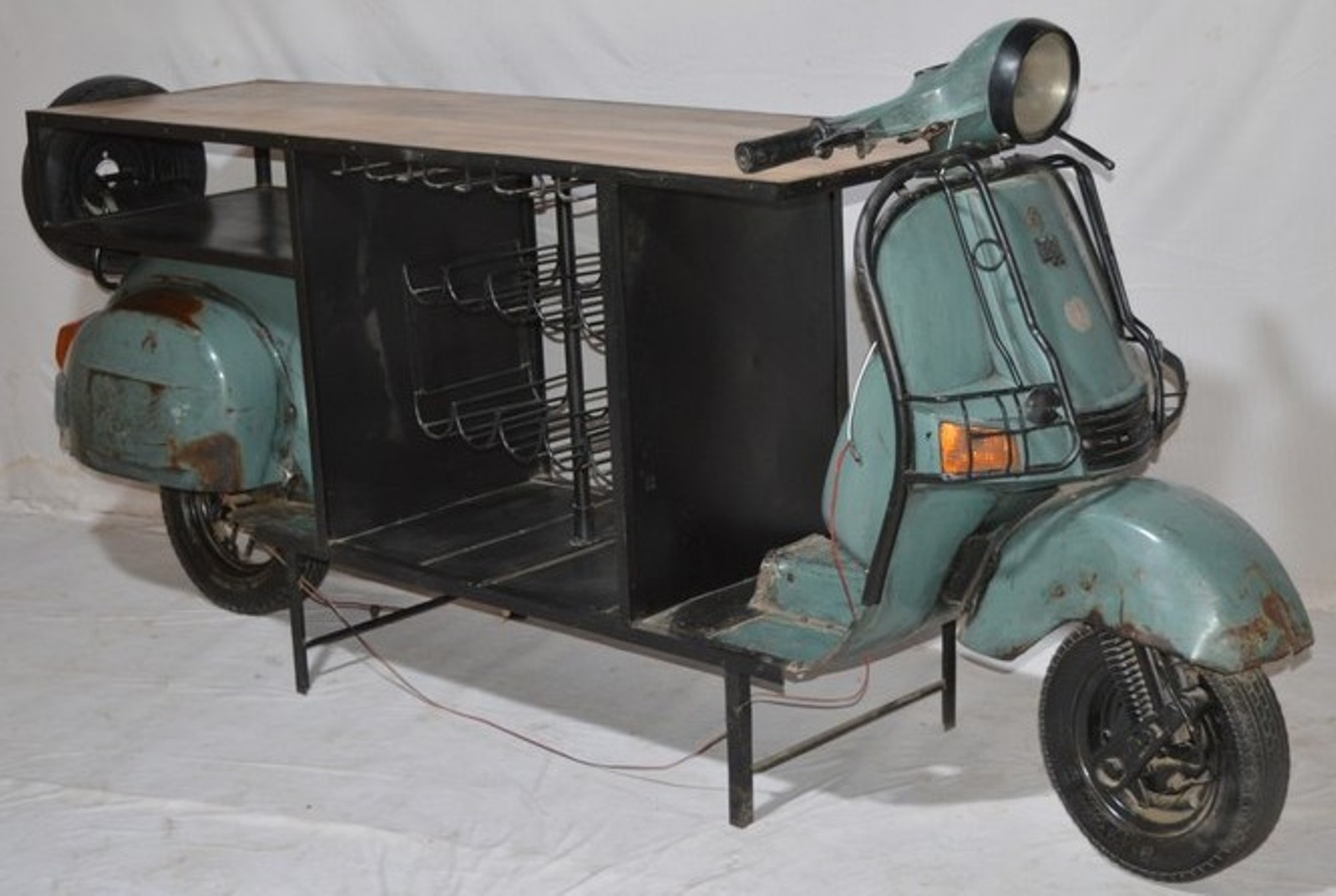 Iron Industrial Bajaj Scooter Bar Counter Indian